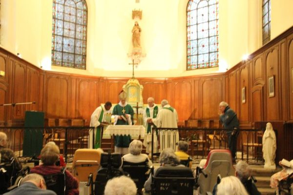 Messe à la maison de retraite Bellevue