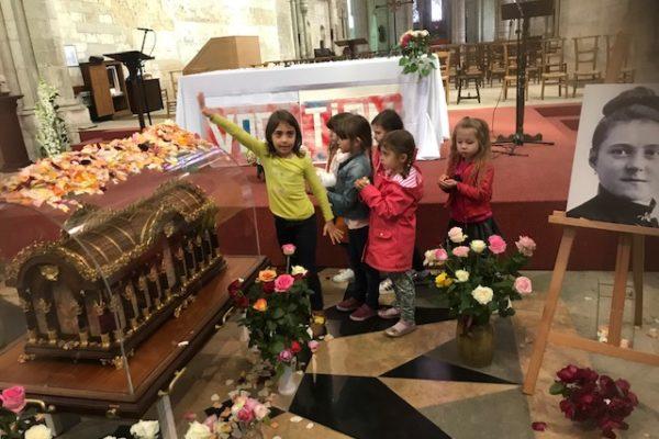 20190526 - Pérégrination reliques sainte Thérèse Basilique de Saint-Quentin école 2