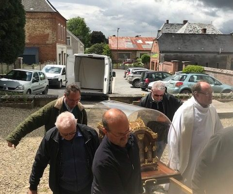 20190528 - Pérégrination reliques sainte Thérèse Marly-Gomont (3)