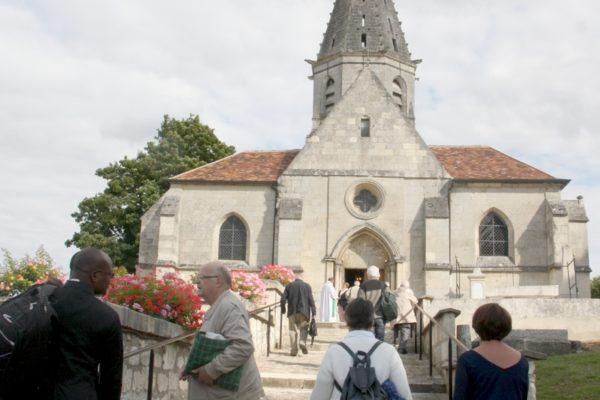 … prier ensemble. Les Laudes et l'Eucharistie de fin de journée à l'église de Belleu